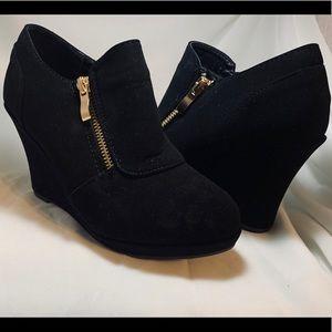 Women's Black Wedge Bootie-Size 5